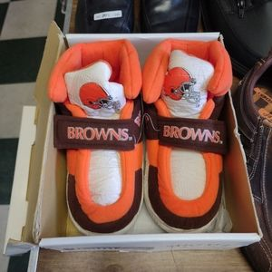 NFL slippers for size large children (13-2)
